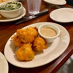good conch fritters n dip