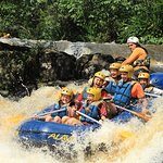 Rafting with exclusive zip lines