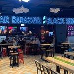 صورة فوتوغرافية لـ Black Star Burger