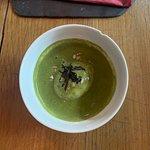 Veloute d'épinards, oeuf mollet, bonnite séchée et graines de tournesol (pensez à changer l'assi