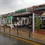 Cafeteria Los Tulipanes, extreiör