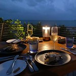 Dining on the Rocks照片
