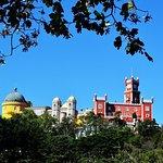 Grupos pequeños a Sintra, Cascais, Cabo da Roca, Bodega Colares y Palacio Pena.