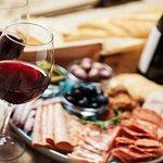 Destaques de Florença através da excursão gastronômica a pé com vinho e a Accademia