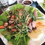 Trâu cuốn cải, thịt mềm, kết hợp nhiều loại rau tốt cho sức khỏe
