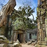 Angkor Wat: Full-Day Tour with Sunset
