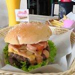 Burger House Kata Beach照片
