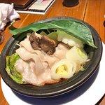 タジン鍋の中豚肉がありました