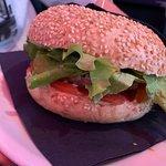 "Rock Burger - panino ""The Beatles"" : burger da 100gr di Vitella, pomodoro, lattuga, maionese e k"