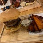 ภาพถ่ายของ Monster Burger