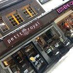 Petit Royal Café Foto