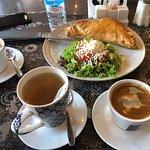صورة فوتوغرافية لـ Artisanal Cafe & Bakery