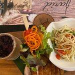 ภาพถ่ายของ จริต อาหารไทยและไวน์ชั้นเลิศ