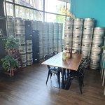 Full Moon Brewworks - Microbrewery & Restaurant照片