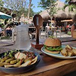 hummus-falafel platter