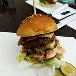 ภาพถ่ายของ CRAVE Burgers & Wraps