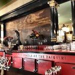 Le bar mythique où plane l'ombre d'Hemingway