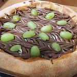 Pizza de bombom aberto de uva! Sensacional!