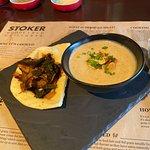 Bilde fra Stoker Woodfired Grill & Bar