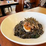 香煎日本刺身帶子配海鮮墨汁意大利飯
