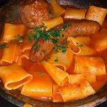 La macaronade (saucisse italienne et boulette maison)