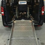 Minivan Mercedes Vito omologato con Rampa per il trasporto di persone su sedia a rotelle  (Carrozzina )