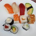 """Ici toujours les 4"""" Sushi """" 80% riz pour 20% poisson :"""