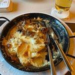 Überbackener Gyros mit Käse überbacken und Bratkartoffeln.
