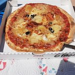 pizza 6 fromages taille 26 cm existe en 33 cm