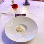 Garrigue Ice-cream with Lemon Custard, Pomelo cooked in Vanilla and Meringue Leave