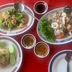 ภาพถ่ายของ ร้านอาหาร ชาวเล