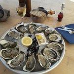 12 huîtres.... il y en a 13! délicieuses!