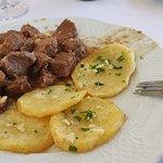 Carne desarreglada con patatas chulas