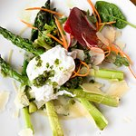 Green asparagus with poche egg