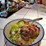 24小時慢煮伊比利亞叉燒,玫瑰露九龍園豉油皇鹵獅頭鵝肝配溫泉蛋,香噴噴豬油撈飯