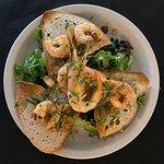Salada de camarão.