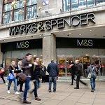 صورة فوتوغرافية لـ Marks & Spencer
