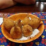 a porção de unhas de caranguejo é fresquinha e a massa deliciosa!