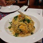 meu prato preferida é o arroz society, tipo um risoto de caranguejo e camarão, foi criado pela c