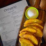 Foto de Oregano Restaurant & Bar