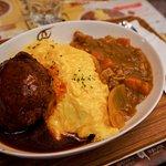 咖喱豬肉+和牛漢堡蛋包飯