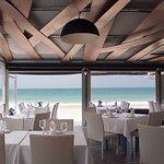 Nuestra terraza úbicada a pie de playa