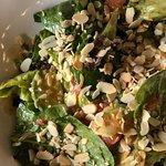 постный салат с миндалем