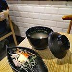 蟹籽沙律和麵豉湯 (跟餐)