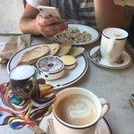 Пельмешки, паштет и кофе на миндальном молоке