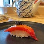 Atun con betabel y caviar
