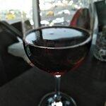 итальянское вино (Монтепульчано или Фонтегайа)
