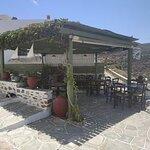 l'area esterna della taverna Leonidas!