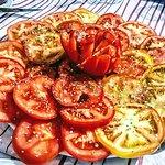 Tomates del huerto impresionantes.