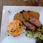 Carré de porc + filet de lieu noir + brochette de bœuf